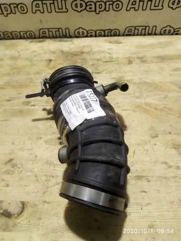 Патрубок воздушного фильтра Nissan Rnessa N30 SR20DE