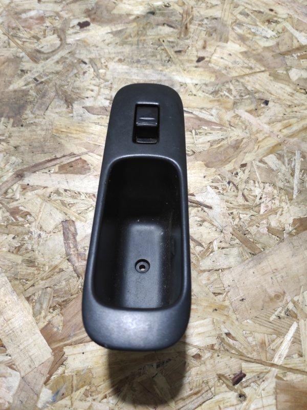 Кнопка стеклоподъемника Toyota Opa ZCT10 1ZZ-FE задняя правая
