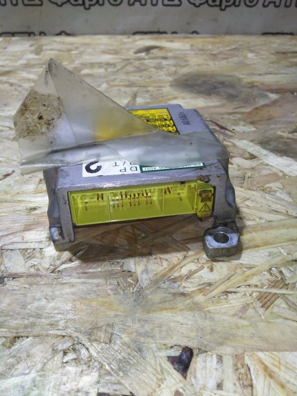 Блок управления airbag Toyota Opa ZCT15 1ZZ-FE
