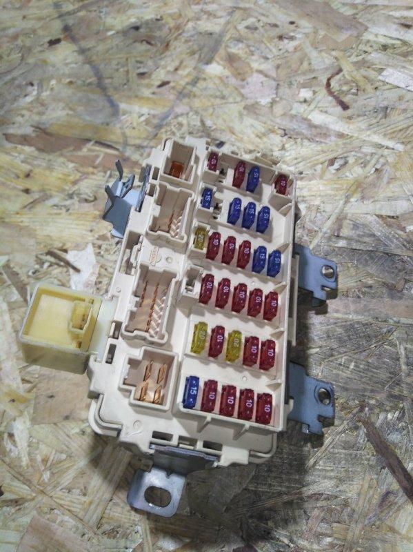 Блок реле и предохранителей Nissan Rnessa N30 SR20DE