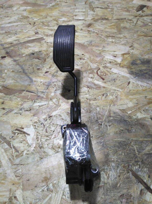 Педаль газа Toyota Prius ZVW30 2ZR-FXE