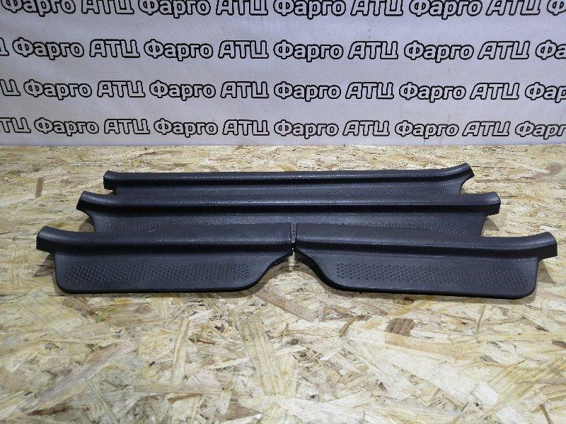 Накладка порога Mazda Familia S-Wagon BJ5W ZL-VE