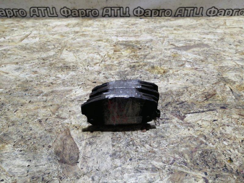 Колодки тормозные Nissan Tino V10 QG18DE задние