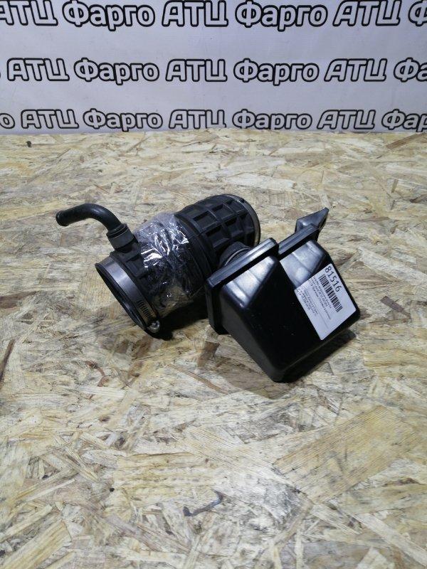 Патрубок воздушного фильтра Nissan Laurel HC35 RB20DE
