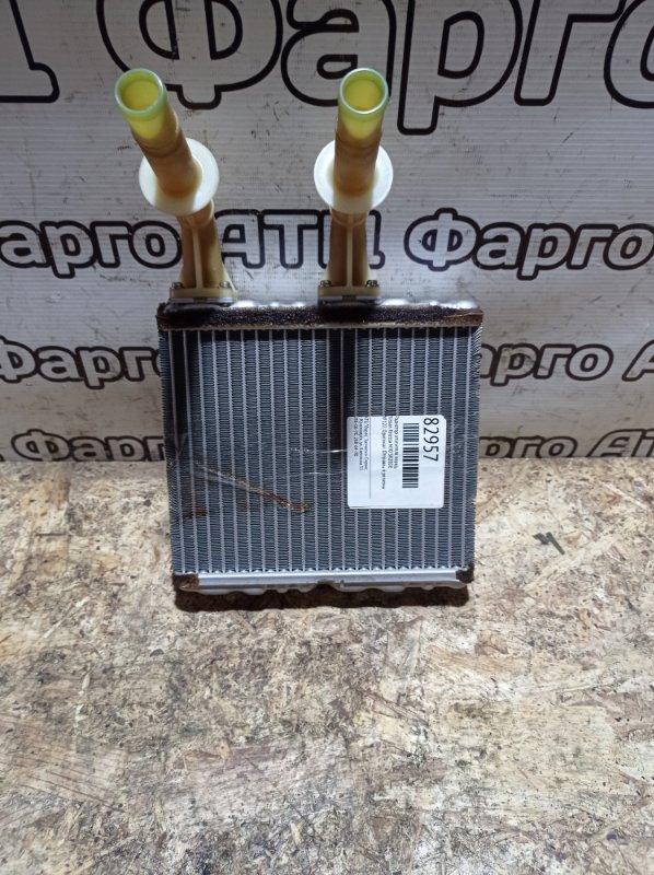Радиатор отопителя Nissan Rnessa N30 SR20DE передний