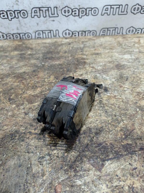 Колодки тормозные Nissan Tino V10 QG18DE передние