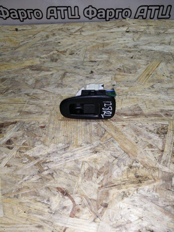 Кнопка стеклоподъемника Nissan Bluebird QU14 QG18DE задняя левая