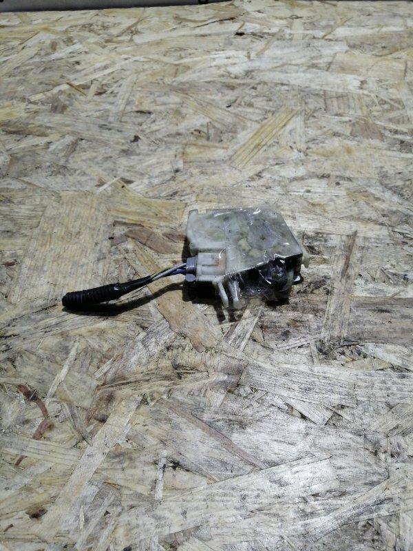 Электропривод замка двери Nissan Bluebird QU14 QG18DE задний левый