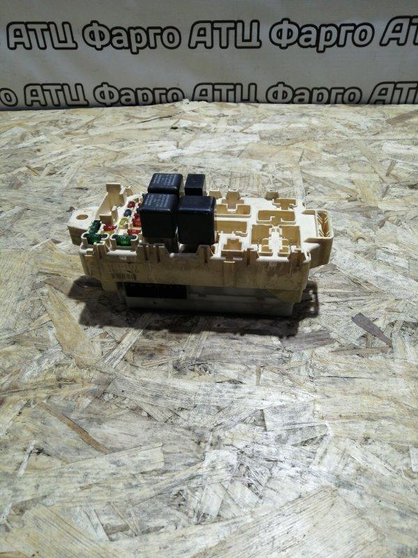 Блок реле и предохранителей Mitsubishi Pajero Io H76W 4G93
