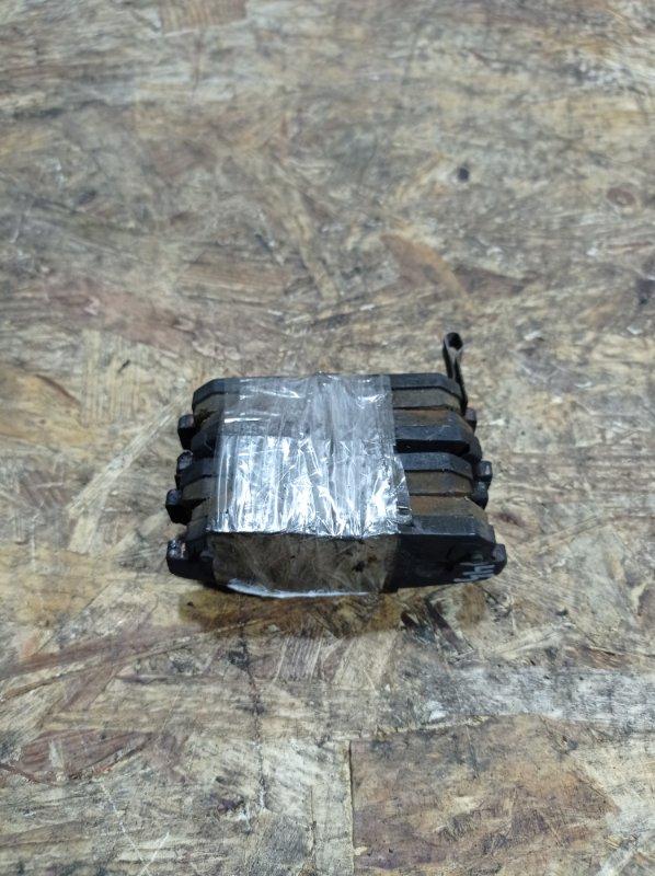 Колодки тормозные Nissan Cefiro A33 VQ20DE задние