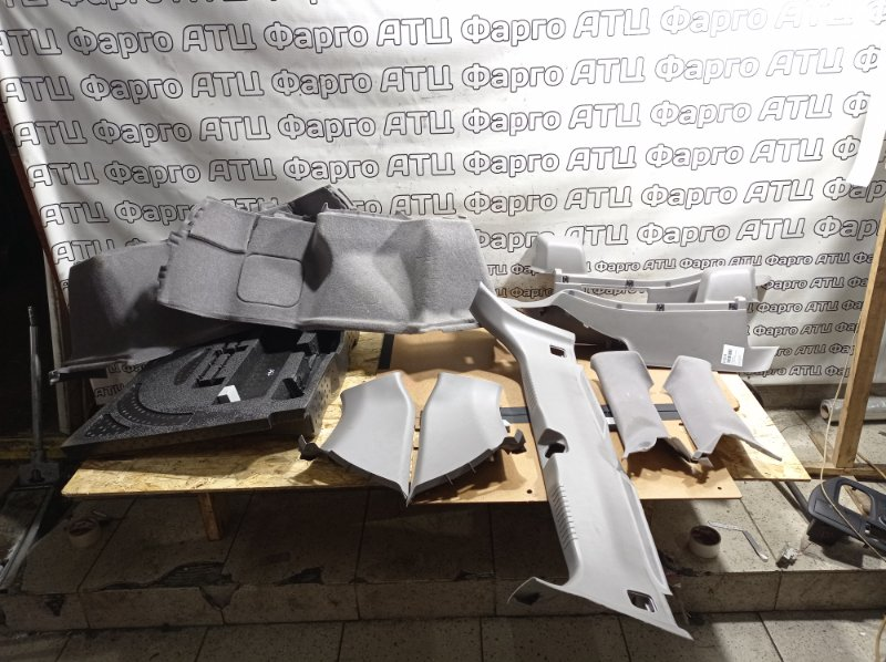 Обшивка багажника Honda Avancier TA1 F23A