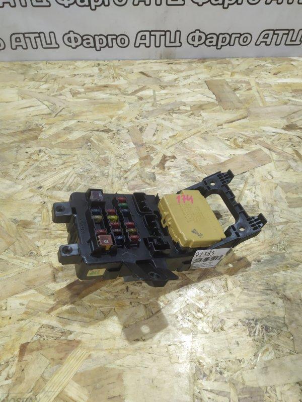 Блок реле и предохранителей Toyota Caldina ST210G 3S-FE