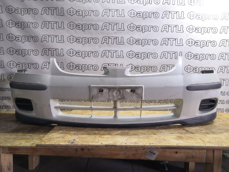 Бампер Nissan Tino V10 QG18DE передний