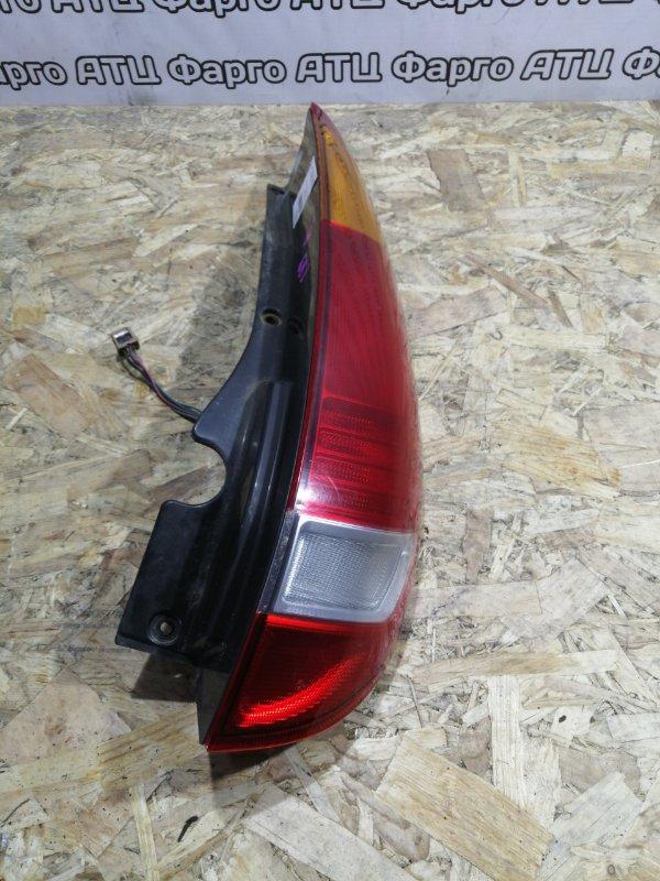 Фонарь стоп-сигнала Nissan Tino V10 QG18DE задний правый