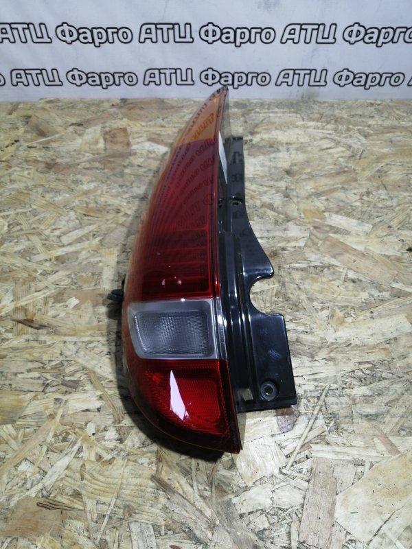 Фонарь стоп-сигнала Nissan Tino HV10 SR20DE задний левый