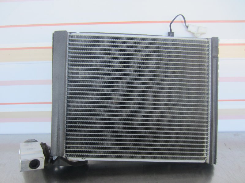 Испаритель кондиционера Toyota Vitz Scp90 SCP90 1KR 2005