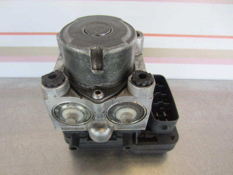 Блок abs Toyota Vitz Scp90 SCP90 1KR 2005