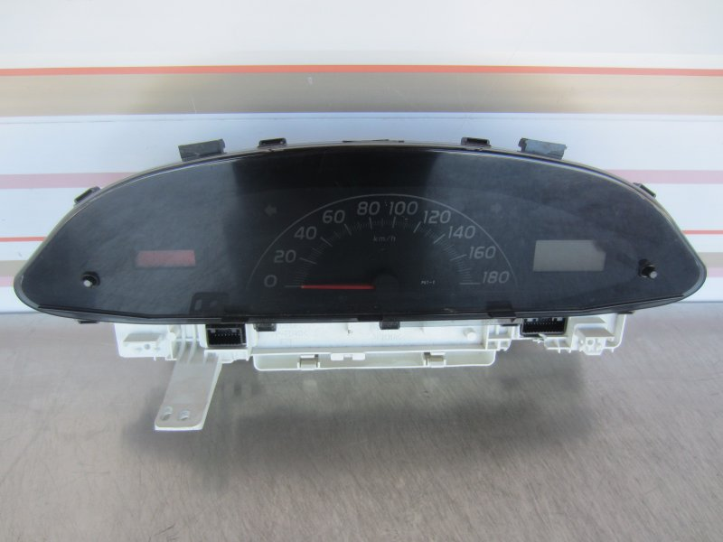 Щиток приборов Toyota Vitz Scp90 SCP90 1KR 2005
