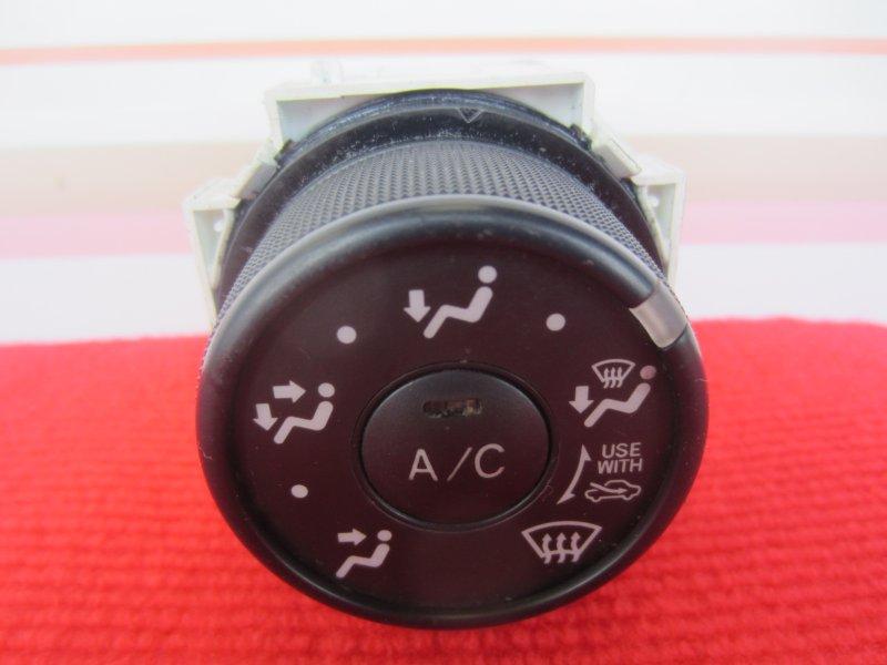 Регулятор направления обдува печки Toyota Vitz Scp90 SCP90 1KR 2005