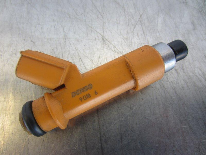 Форсунка топливная Toyota Vitz Scp90 SCP90 1KR 2005