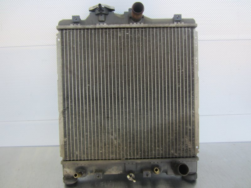 Радиатор охлаждения Isuzu Gemini (4) D15B 1996