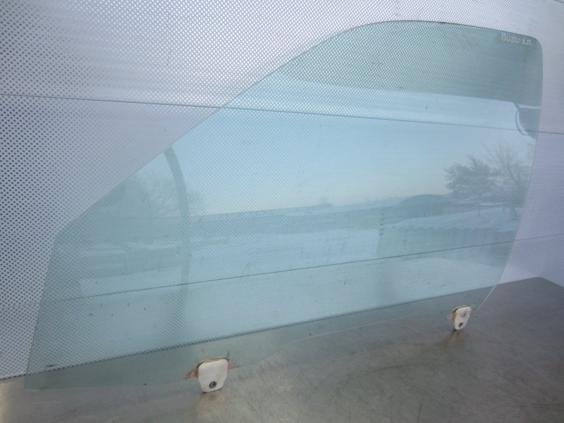 Стекло двери Isuzu Gemini (4) D15B 1996 переднее левое