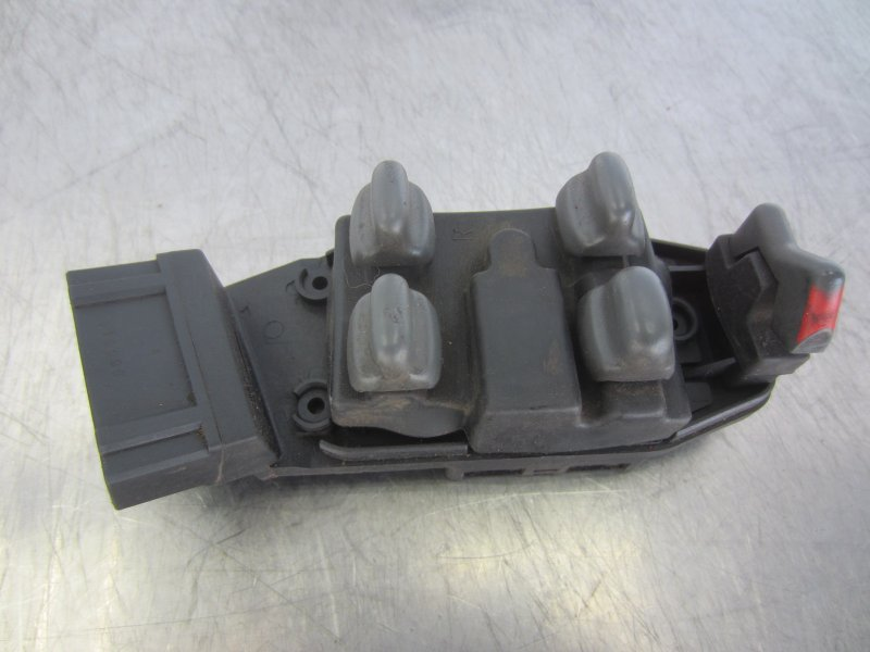 Блок управления стеклоподъемниками Isuzu Gemini (4) D15B 1996