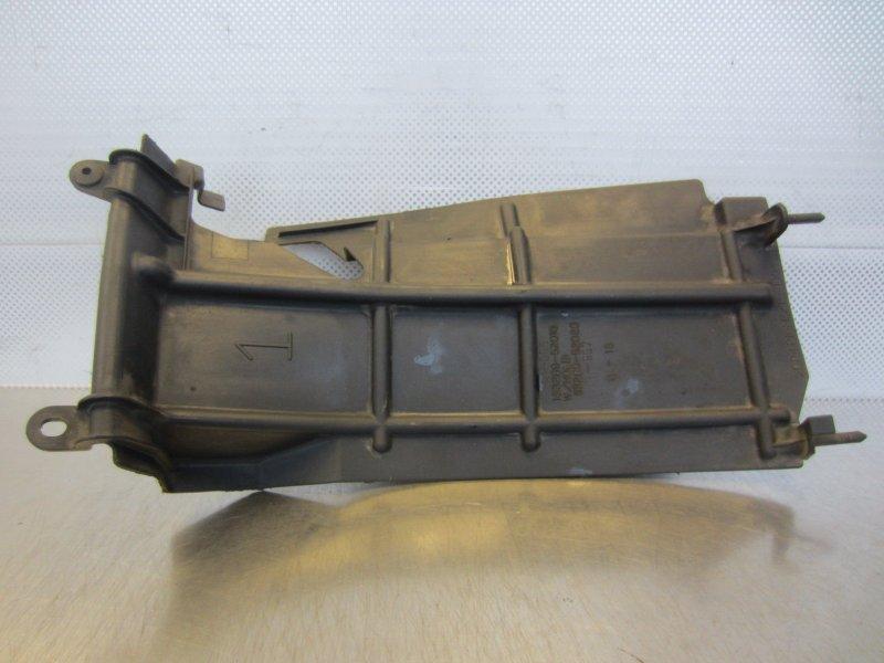Пыльник радиатора Toyota Vitz Scp10 SCP10 1SZ-FE 2001