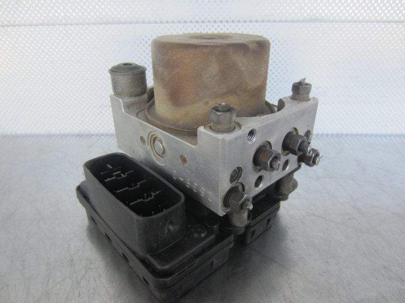Блок abs Toyota Vitz Scp10 SCP10 1SZ-FE 2001