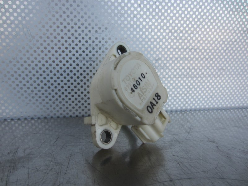 Датчик педали тормоза Toyota Vitz Scp10 SCP10 1SZ-FE 2001