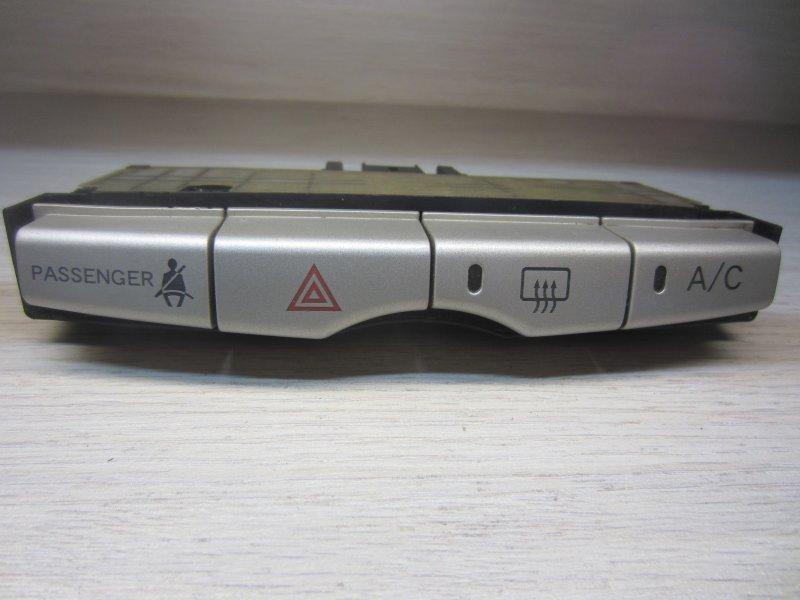 Кнопки Toyota Passo Kgc10 KGC10 2004