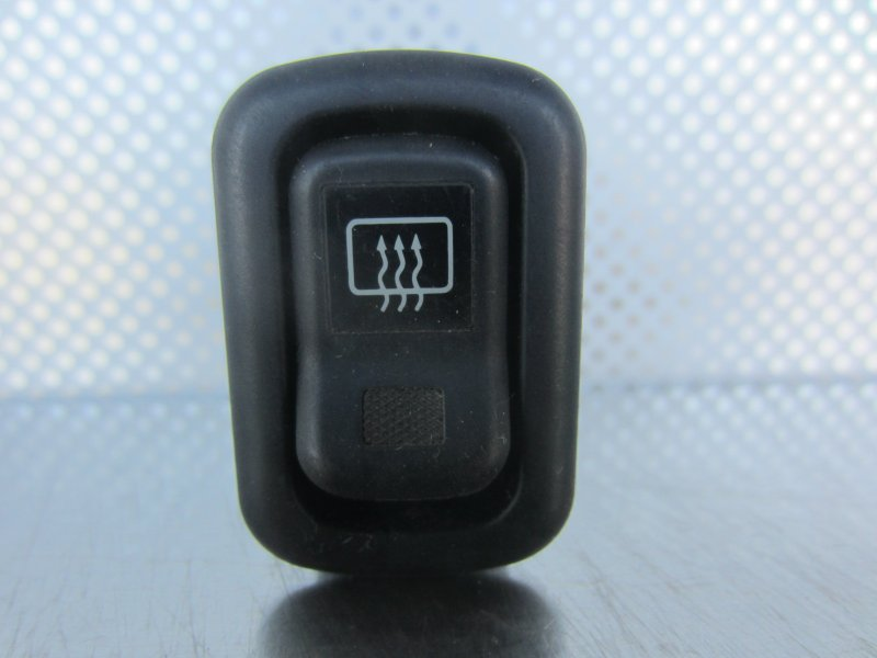 Кнопка обогрева заднего стекла Toyota Duet