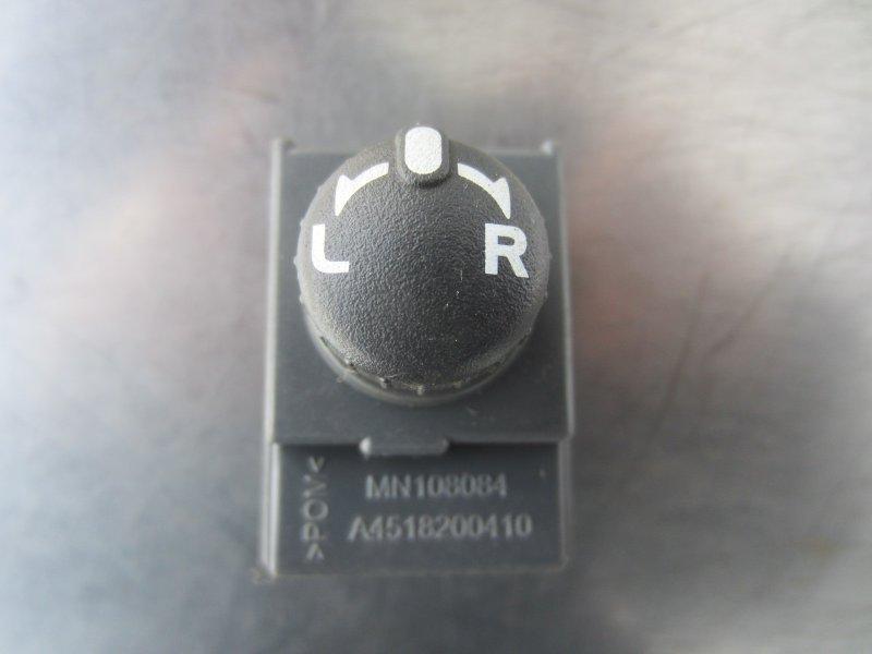 Джойстик регулировки зеркал Mitsubishi Colt Z30 2007