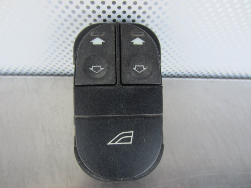 Блок управления стеклоподъемниками Ford Mondeo 1995