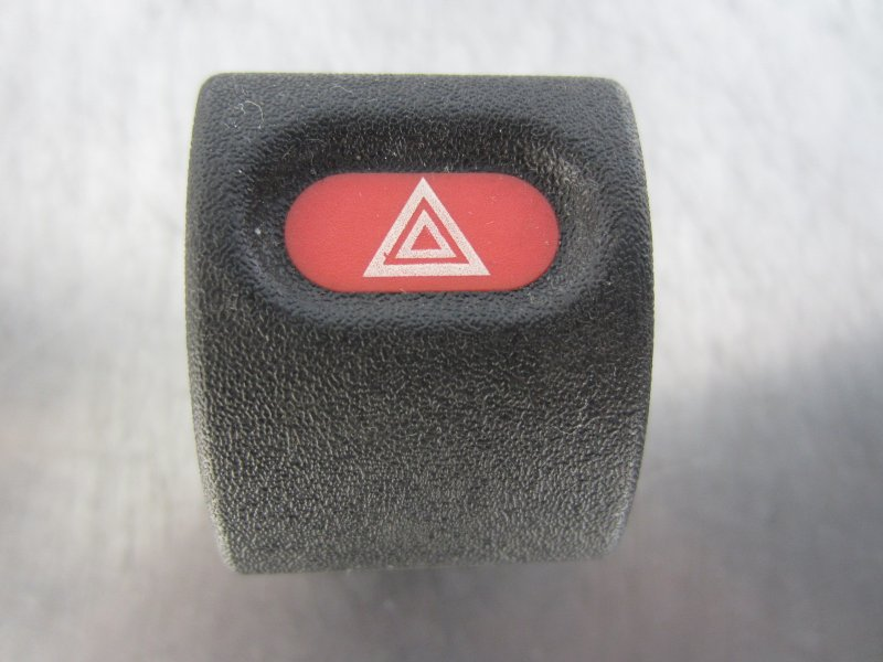 Кнопка аварийная Opel Astra F