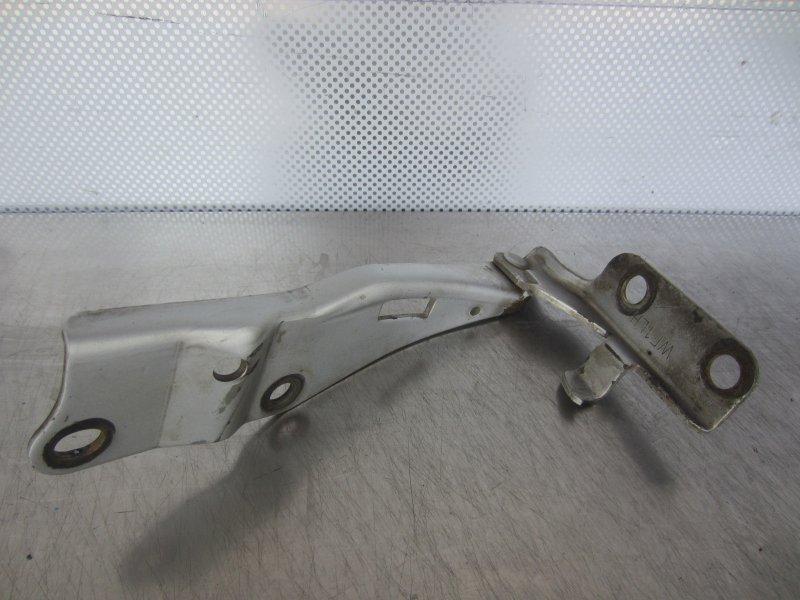 Кронштейн капота Nissan Liberty M12 PM12 SR20DE 1999 передний