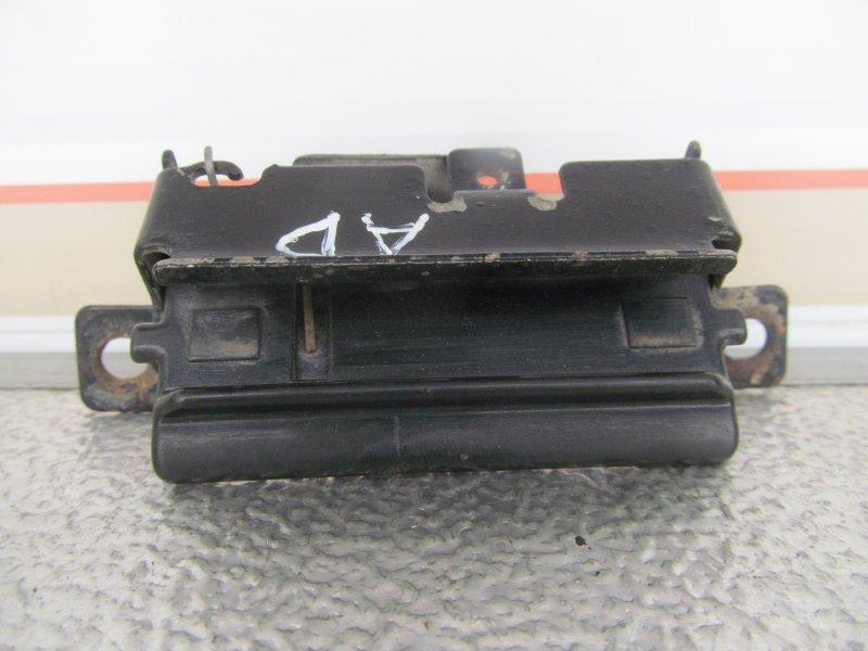 Ручка открывания багажника Nissan Ad (Y11) VY11 1999 задняя