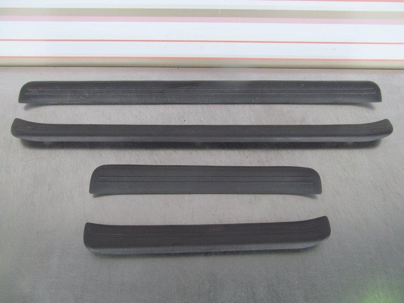 Порог внутренний декоративный пластиковый Toyota Sprinter 100 100 1993