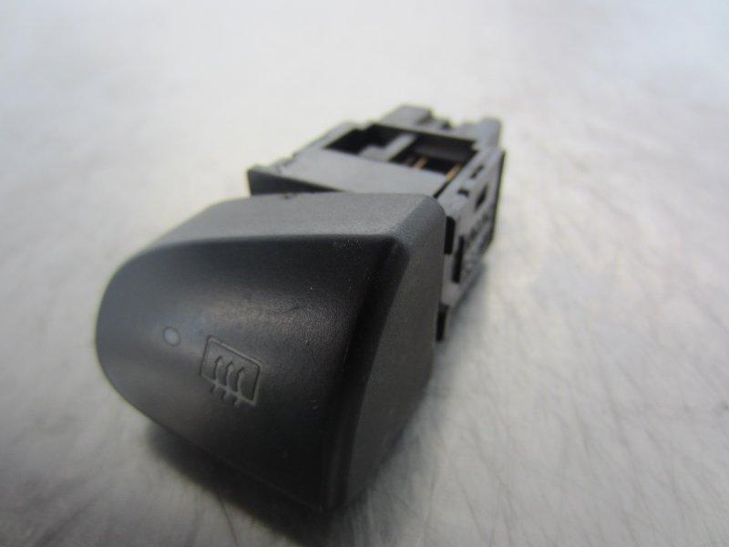 Кнопка обогрева заднего стекла Mitsubishi Libero 2000