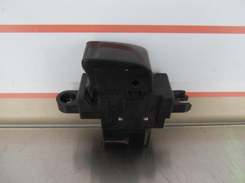 Кнопка стеклоподъёмника Nissan Cube Az10