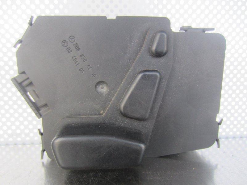 Кнопка регулировки сиденья Mercedes-Benz W208 W208 (CLK) 2001 правая
