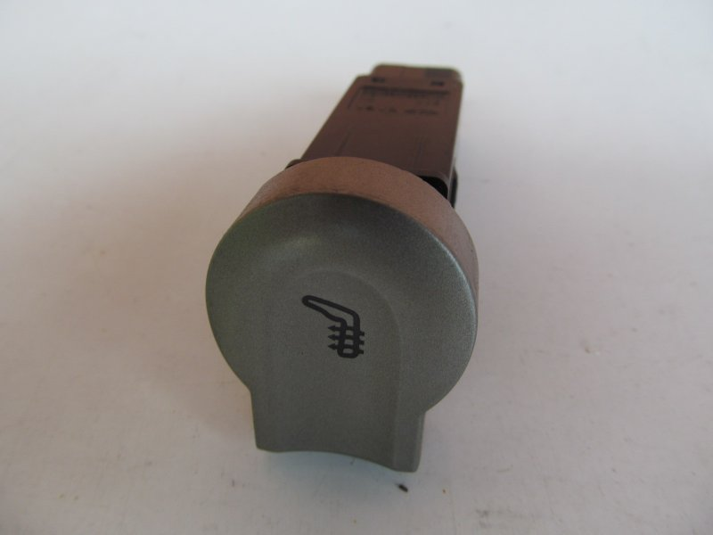 Кнопка подогрева сидений Chery M11 2011 правая