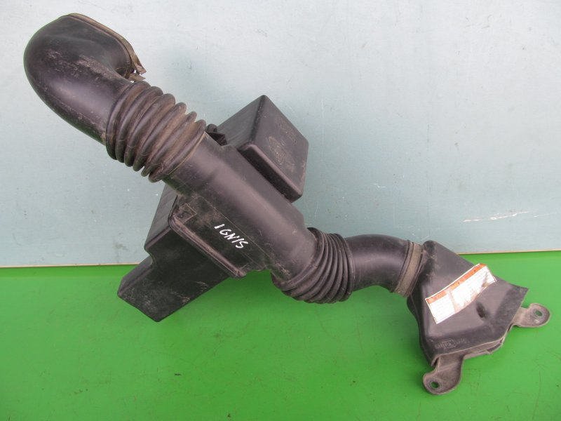 Воздухозаборник Suzuki Ignis M13A 2002