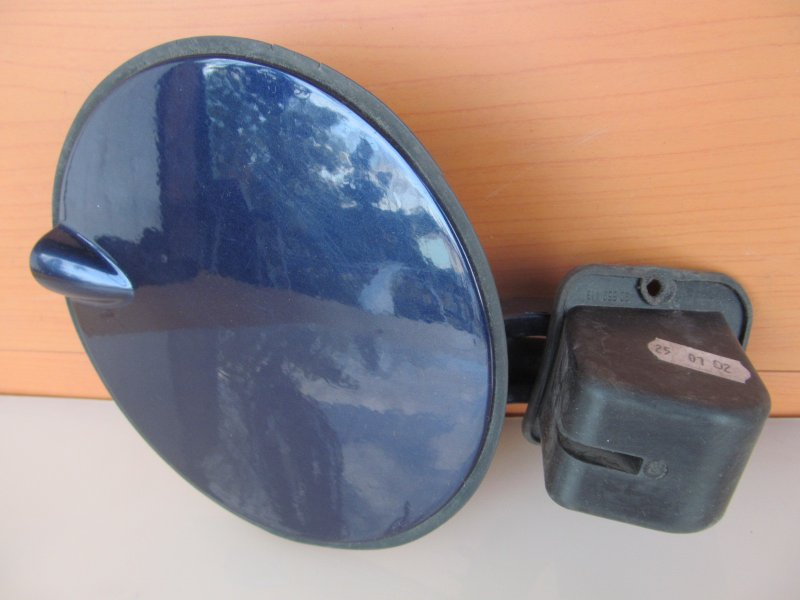 Лючок бензобака Opel Zafira A 2002