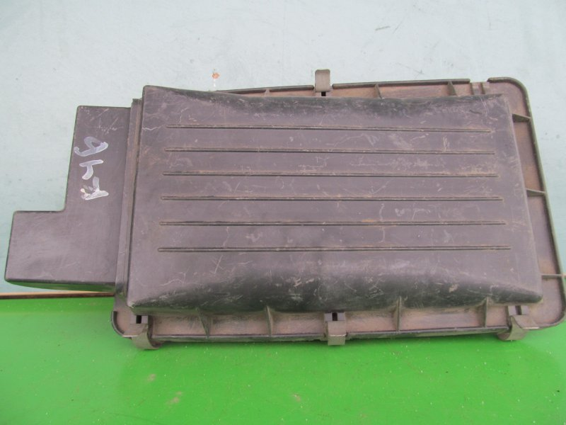 Корпус воздушного фильтра Nissan Cube Az10 1999
