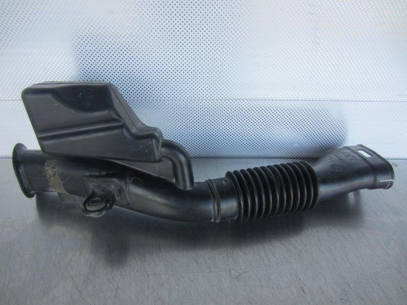 Воздухозаборник Mazda Demio Dy ZJ 2004