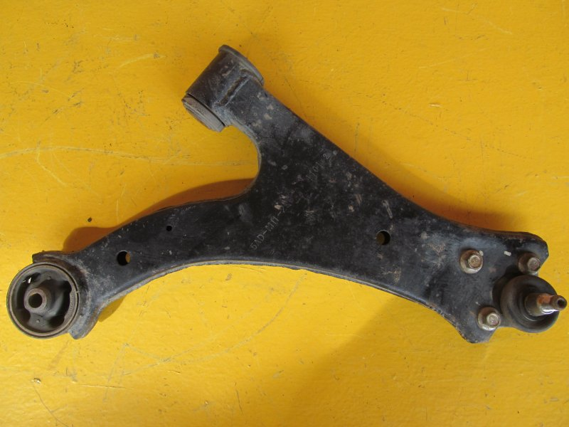 Рычаг Chery M11 2011 передний правый