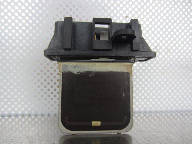 Реостат печки Nissan Liberty M12 PM12 SR20DE 1999 задний