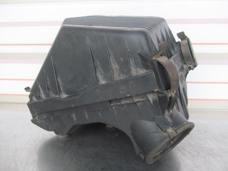 Корпус воздушного фильтра Toyota Corolla 90 4A-FE