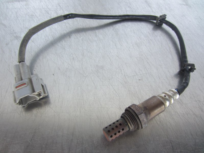 Датчик кислорода Suzuki Ignis M13A 2002 передний верхний